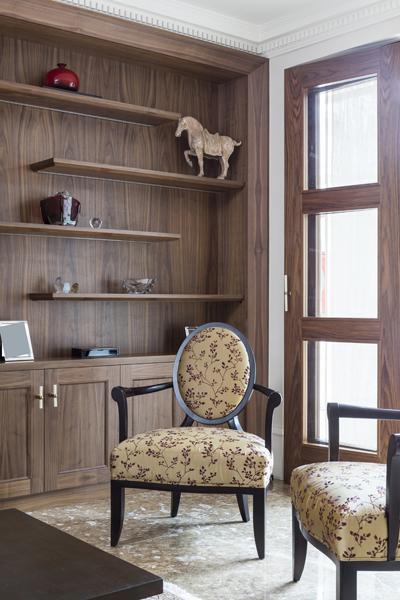 0208-dark-wood-cabinets-living-room-nw8-st-johns-wood-vorbild-architecture-70