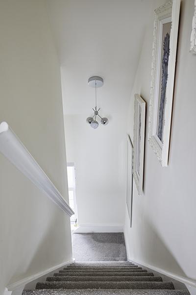 0568-beige-starircase-vorbild-architecture-mill-hill-20