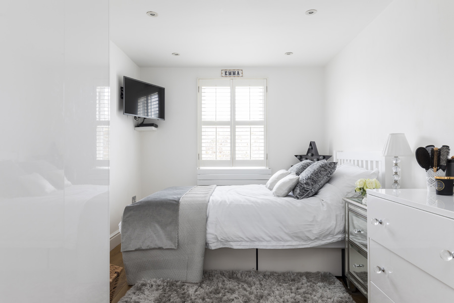 0605 white and grey bedroom with corner TV Latimier Road