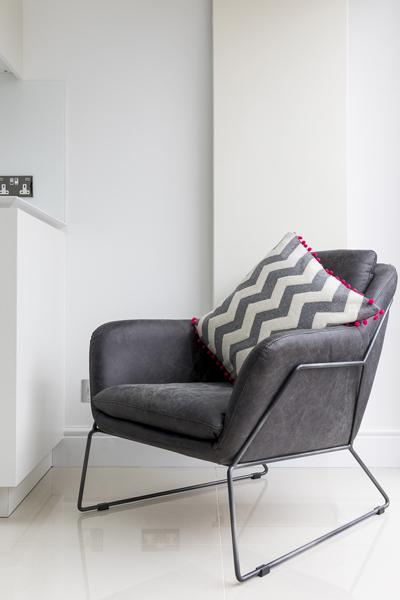 0605-grey-armchair-kitchen-vorbild-architecture-33