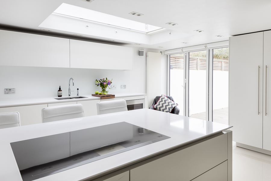 0605 kitchen island electric hob and white worktop