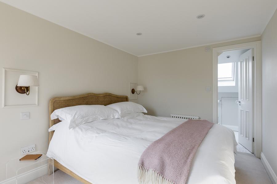 0631 loft bedroom with ensuite bathroom in balham