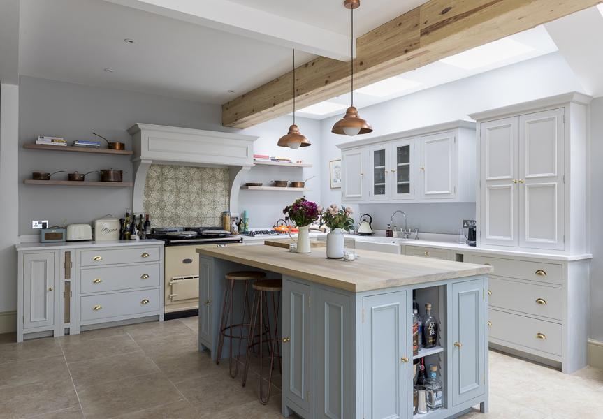 647-aga-green-grey-cottage-shaker-kitchen-beams-vorbild-architecture-chiswick-34