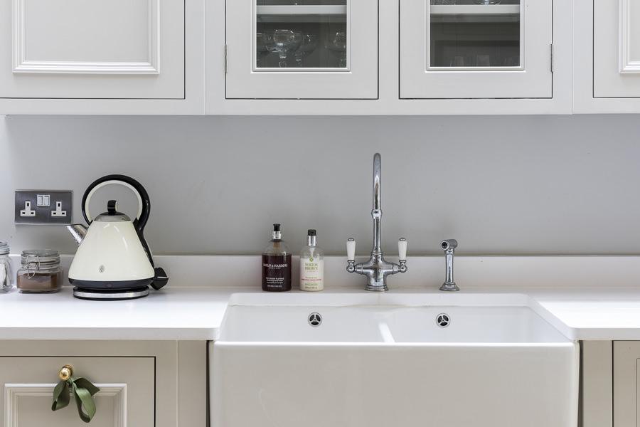 647 shaker kitchen grey with belfast sink in west lodnon