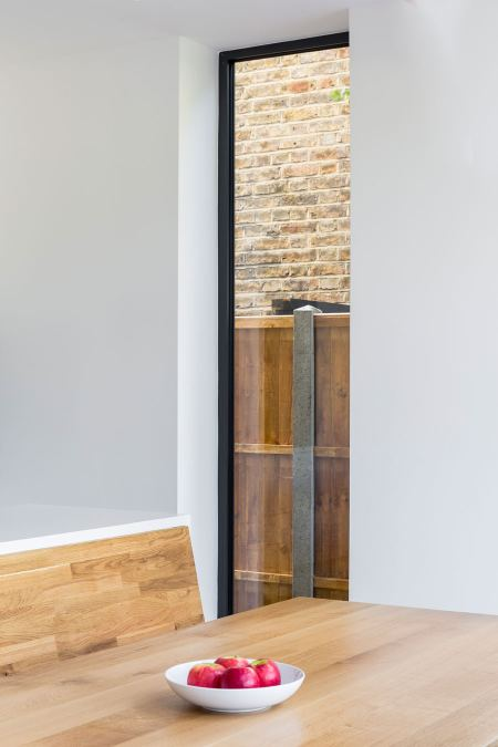 0558 tall glass window panel in kitchen