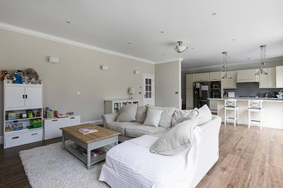 600-play-room-kitchen-toy-storage-vorbild-architecture-crickelwood-10