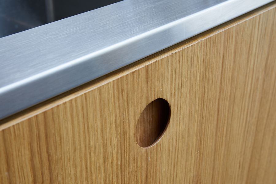 0848-veneer-kitchen-cabinets-stainless-worktop-0800