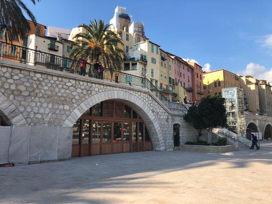 02528-cafe-overlooking-marina-menton-france-vorbild-architecture-005