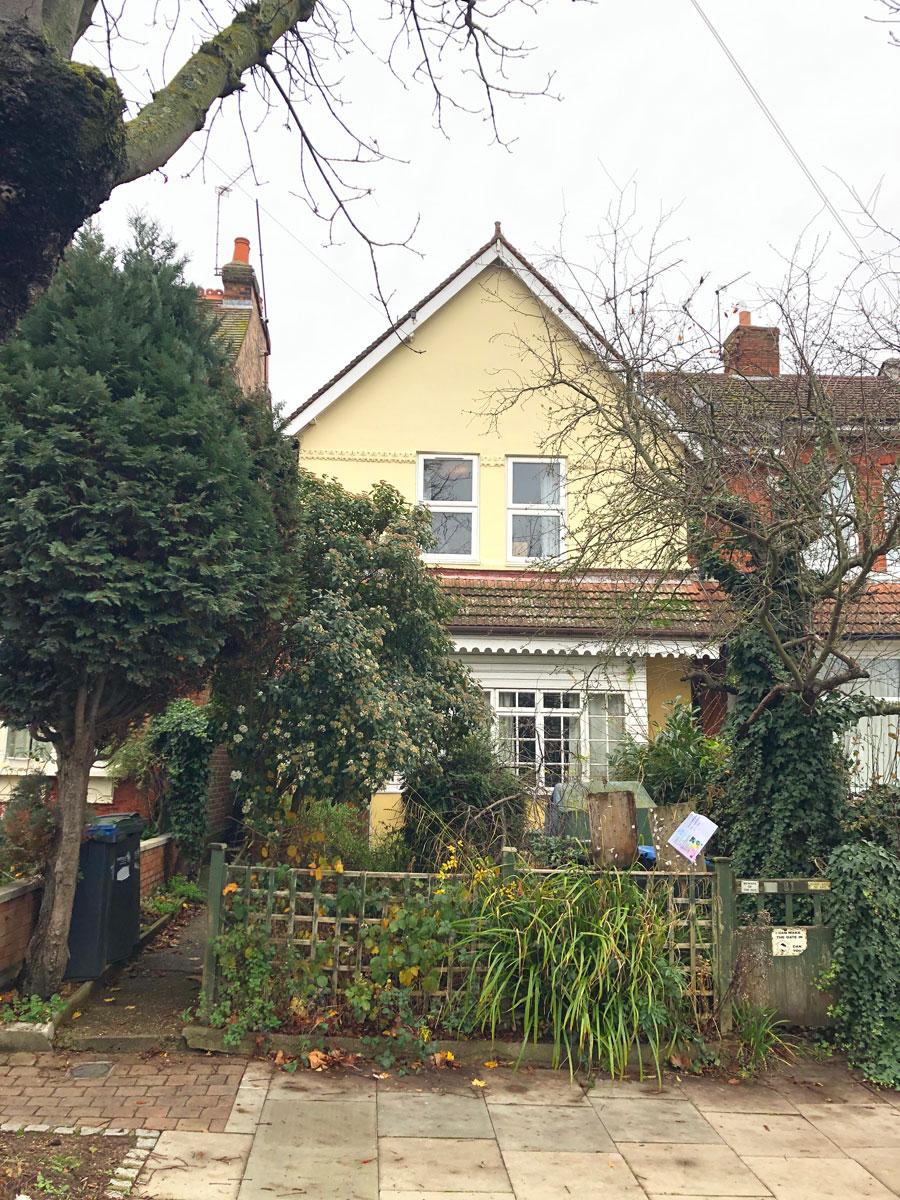 0933-extensions-refurbishment-two-apartments-semi-detached-house-arnos-grove-vorbild-architecture-001