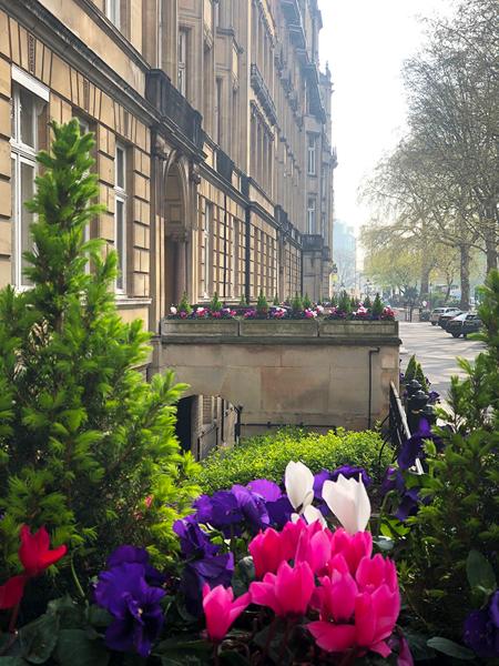 0941-Magnificent-apartment-overlooking-Baker-Street-vorbild-architecture-001-1