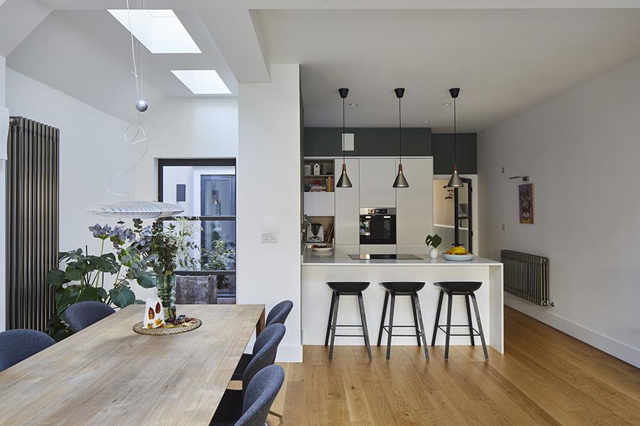 0881-Large-wraparound-rear-and-side-extension-to-ground-floor-garden-flat-in-South-London-vorbild-architecture-005