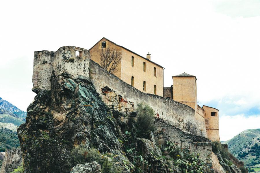 corsica-la-corse-korsika-vorbild-architecture-jametlene-reskp-642939-unsplash