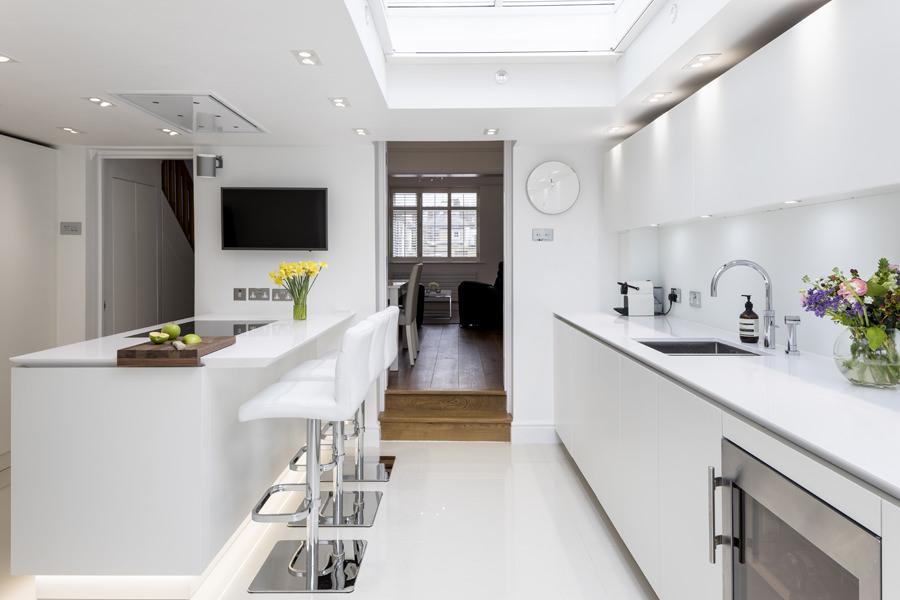 0605 - Complete refurbishment of a House in Hammersmith vorbild-architecture-kitchen-white-roundhouse-23