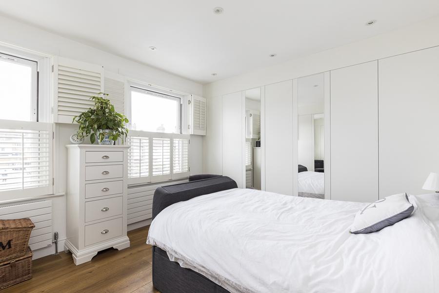 0605-master-bedroom-tv-bed-vorbild-architecture-10