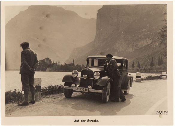 MB_200_am_Castel_Toblino_1933