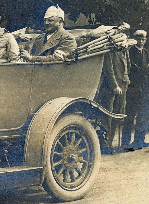 Adler_10-25PS_Tourenwagen_1913_Heckpartie