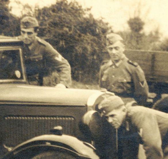 Austin_12-6_Beutewagen_auf_Guernsey_Soldaten