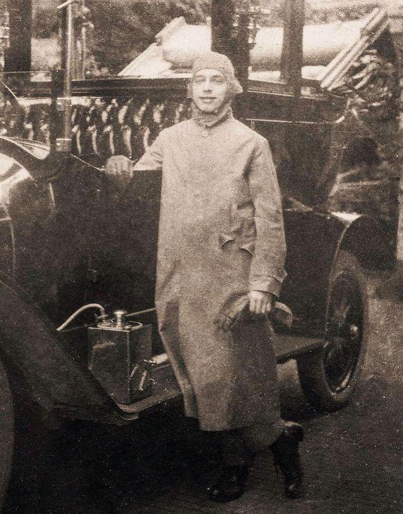 benz_landaulet_um-_1912_chauffeur