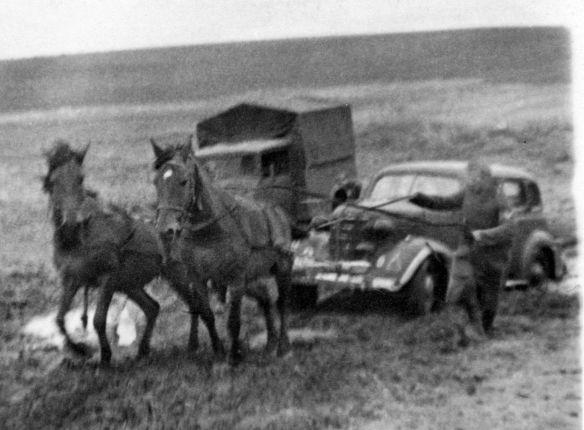 Chevrolet_1938_Fahrt_zum_Rgmt-Gefechtsstand_09-1941_2_Galerie