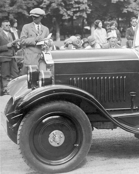Opel_4-20_PS_um_1930_Ak_Baden-Baden_Frontpartie