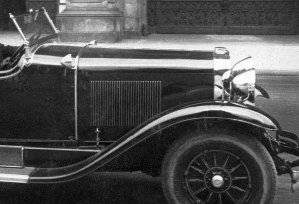 Cadillac_1928_Wien_230429_Frontpartie