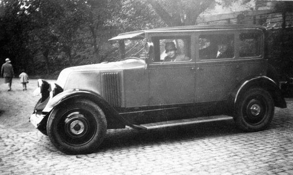Renault_Typ_KZ_10_Limousine_Galerie