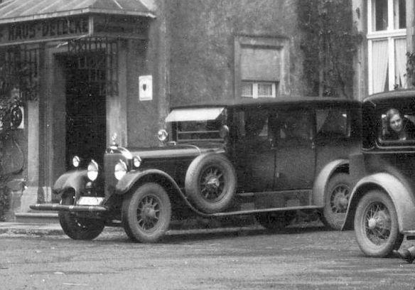 Mercedes_15-70-100_PS_und Ford_A_Gasthaus_Hof_Delecke_Ausschnitt2