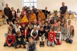 Gruppenfoto mit den Mönchen