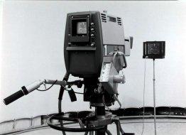Kleurproeven en zwart-wit proeven om het verschil tussen de werkelijke kleur en de interpretatie van de tv-camera vast te stellen.