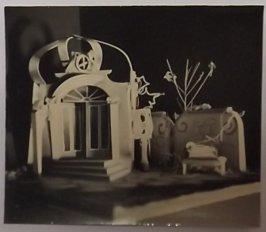deze maquette (iets andere foto) is ook in archief van Fokke Duetz gevonden. Foto van maquette voor onbekend programma Collectie Jan van der Does