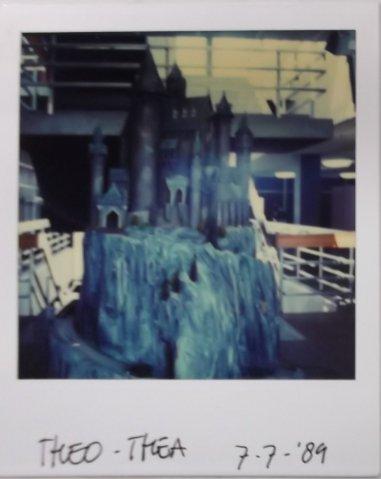 Het kasteel van de heks uit Theo en Thea en de ontmaskering van het tenenkaasimperium (1989)