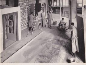 De decorateurs in de Ambachtsschool, mei 1957. Collectie Hannemiek Kerstens