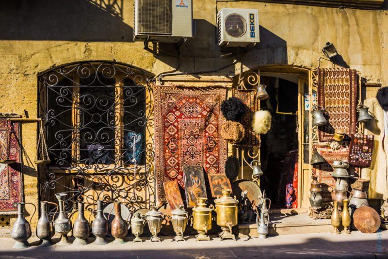 Сувенирная лавка в Баку