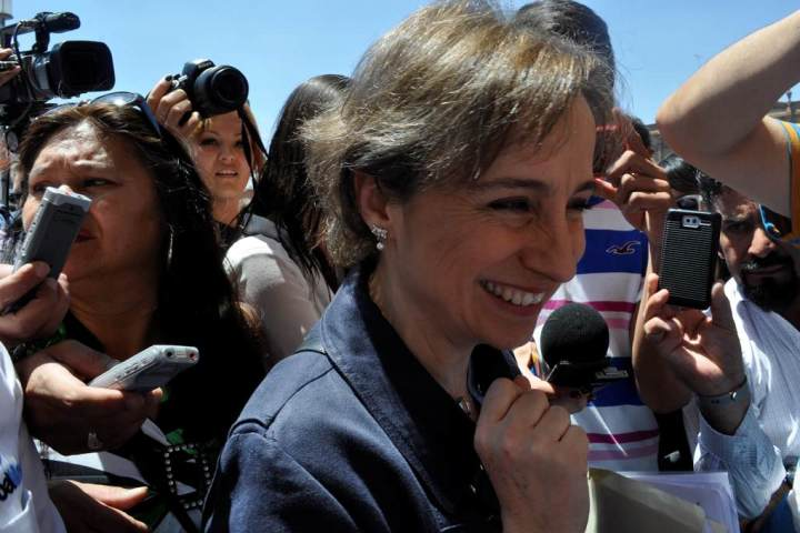 Ordena un juez que negocien Carmen Aristegui y MVS