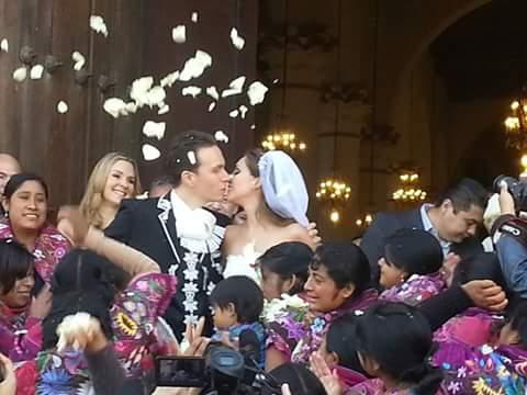 Se casó el gobernador Manuel Velasco Coello