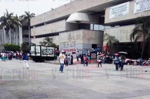 Normalistas desquician el centro de la ciudad