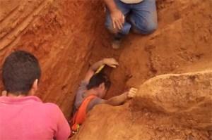 Albañil muere sepultado por un alud de arena en San Cristóbal