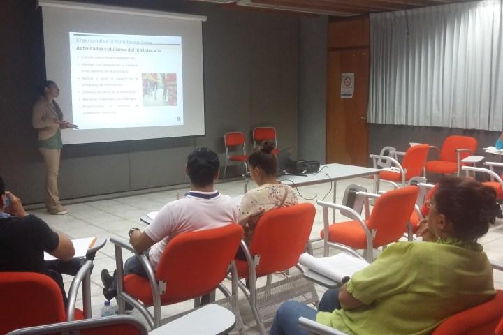 Personal de la Biblioteca Pública Central tomará talleres de promoción de la lectura