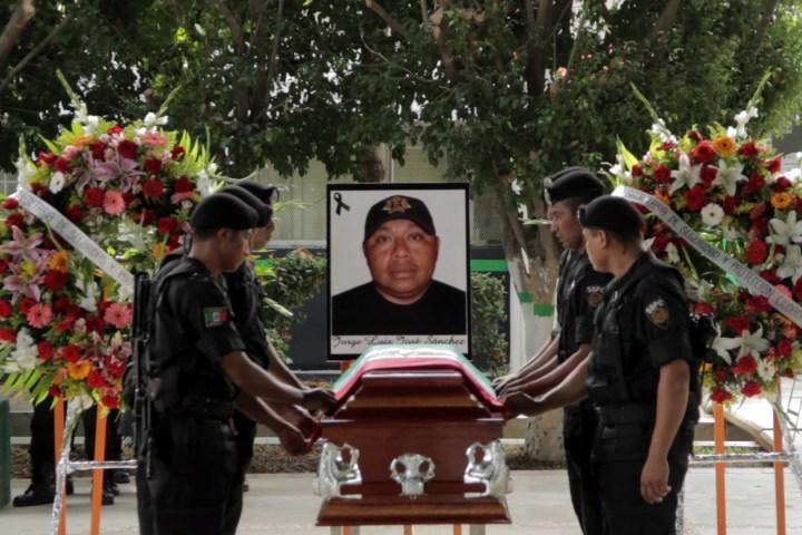 Realiza SSPC ceremonia luctuosa a policía caído