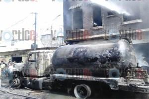 Chiapaneco muere calcinado en explosión de pipa