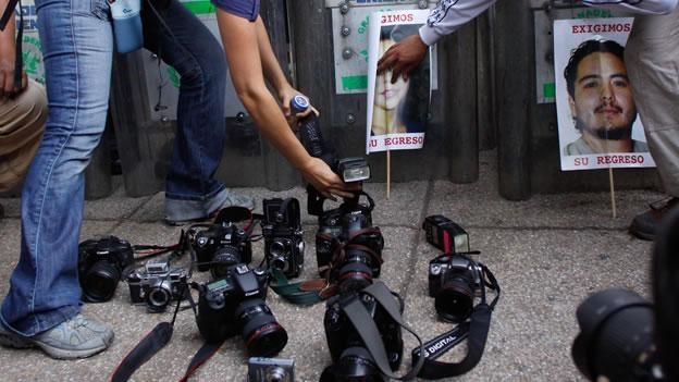 Protestas en varias ciudades por asesinato de fotoperiodista