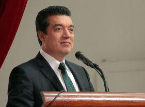 Presente Rutilio Escandón en reunión con Osorio Chong