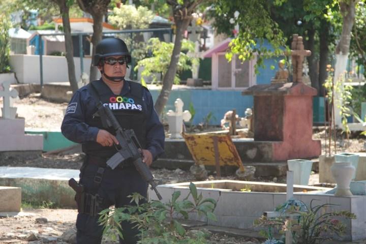 Cerca de 4 mil policías resguardarán panteones