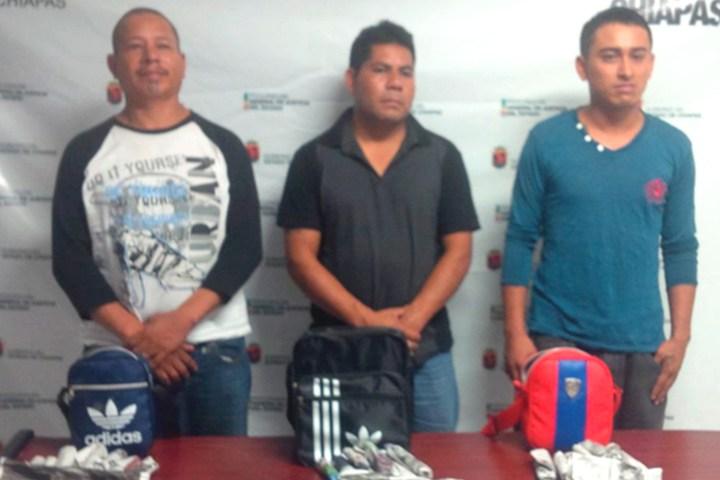 Los detuvieron con armas de fuego y diversas dosis de droga