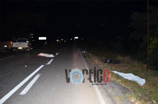 Mueren dos motociclistas en accidente de tránsito