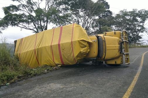 Se lesionan 15 integrantes de la FDROC en volcadura
