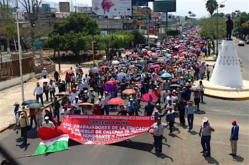 Marchan más de 80 mil maestros; gobierno del estado dice que fueron 3 mil 500
