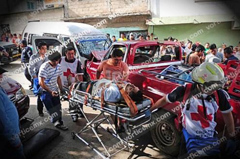 Colectivazo deja dos muertos y 15 lesionados_2