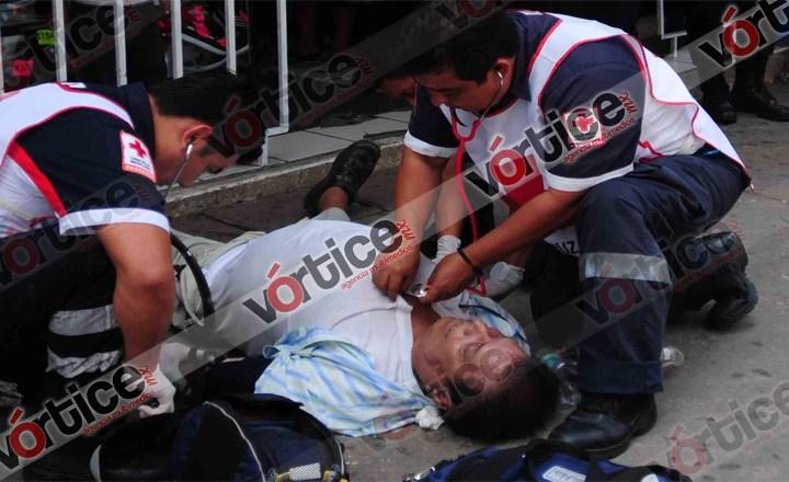 Muere sexagenario frente a una zapatería en Tuxtla