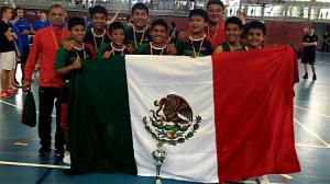 Lo hicieron de nuevo; niños triquis se coronan campeones en la Copa Barcelona